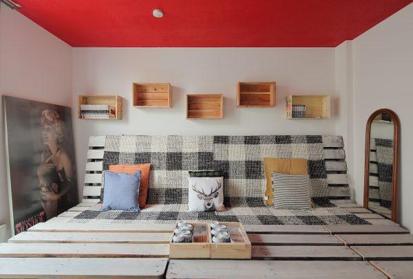 『ださカッコイイ秘密基地』ゲストハウスをDIYで造る。studio m+×大阪リノベーション