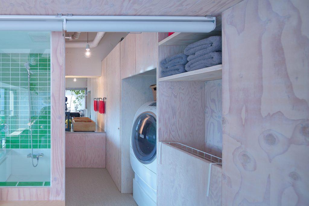 リノベーションの洗面収納造作