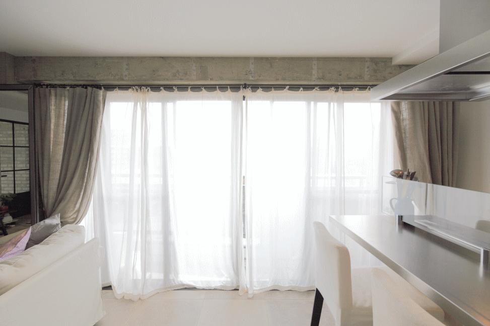 柔らかい光を通すふわふわコットンのカーテン