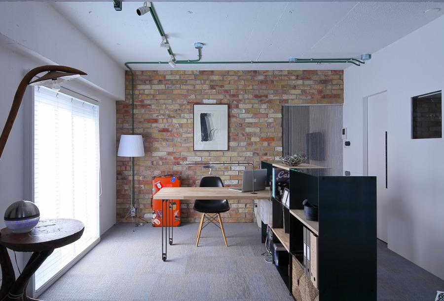 大阪北摂のマンションリノベーション 「本物の煉瓦とロングキッチン」 北摂モダン