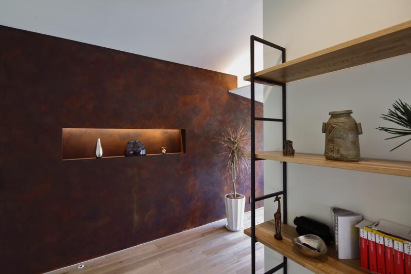 錆塗装の壁リノベーション